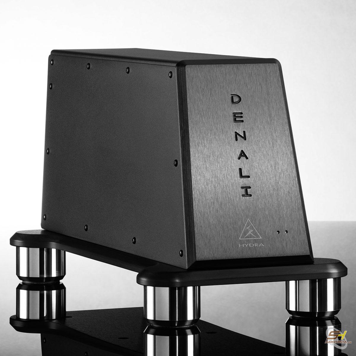Shunyata DENALI D2000/T 240V 2 Outlet
